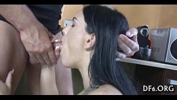 kudryashka-delaet-minet-onlayn-nayti-luchshee-porno-filmi
